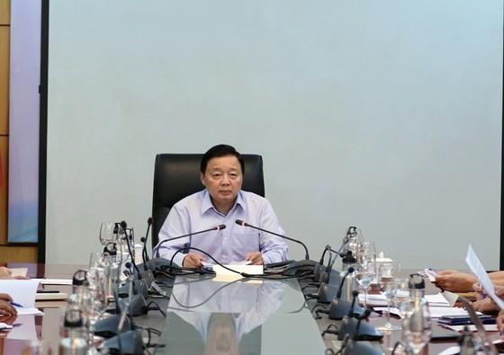 Bộ trưởng Bộ TN-MT: Nguy cơ từ vụ cháy Công ty Rạng Đông ở mức độ trung bình ảnh 1