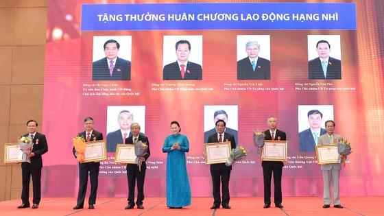 Chủ tịch Quốc hội Nguyễn Thị Kim Ngân tham dự Lễ trao Huân chương Lao động cho lãnh đạo Quốc hội ảnh 6