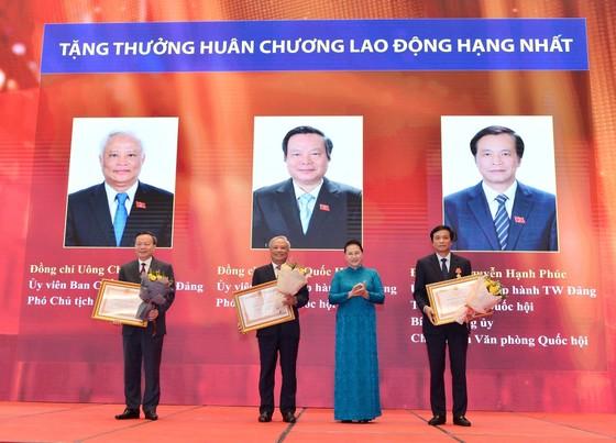 Chủ tịch Quốc hội Nguyễn Thị Kim Ngân tham dự Lễ trao Huân chương Lao động cho lãnh đạo Quốc hội ảnh 5