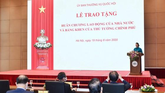 Chủ tịch Quốc hội Nguyễn Thị Kim Ngân tham dự Lễ trao Huân chương Lao động cho lãnh đạo Quốc hội ảnh 3