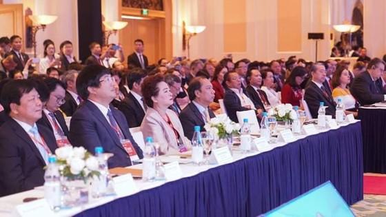 Thủ tướng Nguyễn Xuân Phúc chủ trì Hội nghị Thượng đỉnh về Kinh doanh ASEAN (ASEAN-BIS) ảnh 1
