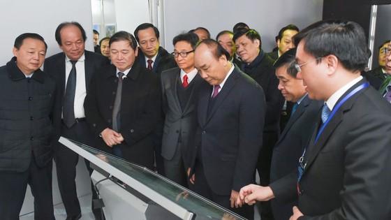 Thủ tướng bấm nút khai trương Triển lãm quốc tế đổi mới sáng tạo Việt Nam 2021 và khởi công Trung tâm Đổi mới sáng tạo Quốc gia ảnh 5