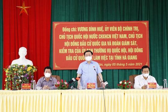 Chủ tịch Quốc hội kiểm tra công tác chuẩn bị bầu cử tại Hà Giang   ảnh 1