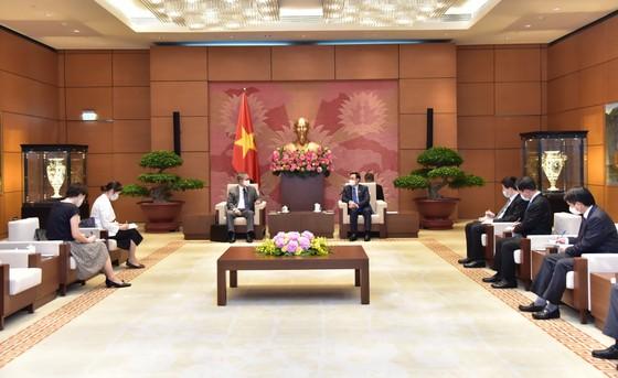 Chủ tịch Quốc hội Vương Đình Huệ tiếp Đại sứ Campuchia Chay Navuth, Đại sứ Nhật Bản Yamada Takio ảnh 2