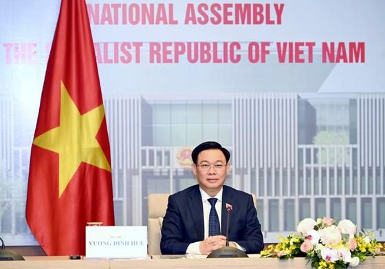 Chủ tịch Quốc hội Vương Đình Huệ hội đàm với Chủ tịch Nhân đại Trung Quốc Lật Chiến Thư ảnh 1