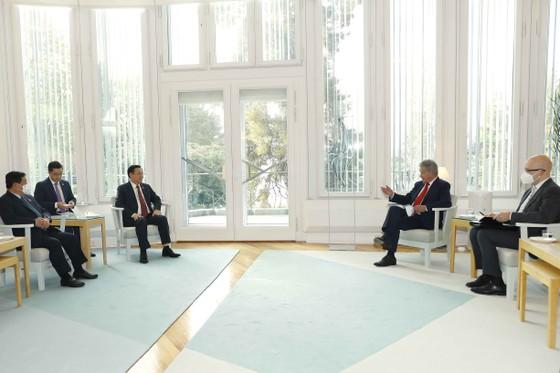 Chủ tịch Quốc hội Vương Đình Huệ hội kiến Tổng thống Cộng hòa Phần Lan     ảnh 1