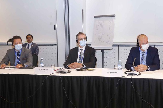 Chủ tịch Quốc hội Vương Đình Huệ dự Tọa đàm doanh nghiệp Việt Nam - Phần Lan ảnh 2