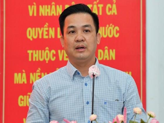 Ứng cử viên Nguyễn Thành Phong: Hiện thực hóa khát vọng phát triển, vươn lên mạnh mẽ của TPHCM ảnh 11