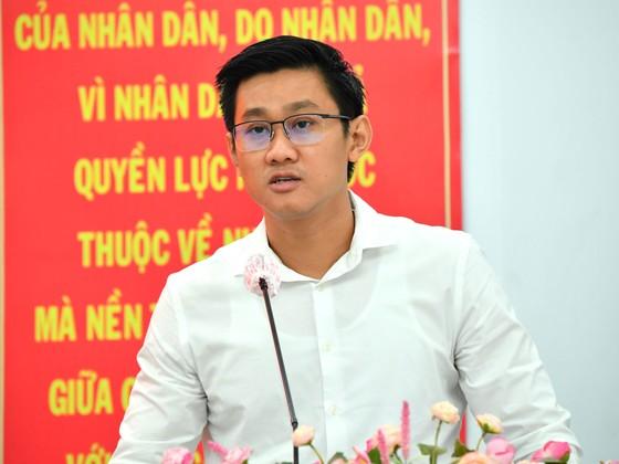 Ứng cử viên Nguyễn Thành Phong: Hiện thực hóa khát vọng phát triển, vươn lên mạnh mẽ của TPHCM ảnh 7