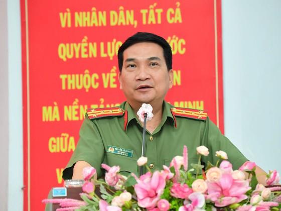 Ứng cử viên Nguyễn Thành Phong: Hiện thực hóa khát vọng phát triển, vươn lên mạnh mẽ của TPHCM ảnh 5