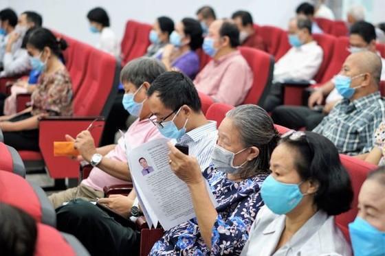 Chủ tịch UBND TPHCM Nguyễn Thành Phong: Công tác phòng chống dịch vẫn là nhiệm vụ hàng đầu của TPHCM ảnh 2