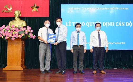 Điều động đồng chí Nguyễn Thị Thu Hường làm Chủ tịch UBND quận 10, Huỳnh Văn Tâm làm Phó Chủ tịch UBND quận 10 ảnh 3