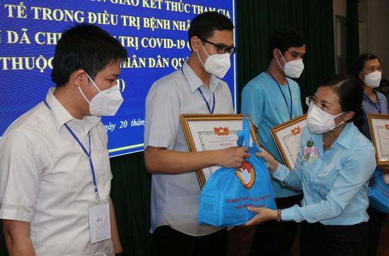 TPHCM đón tình nguyện viên tôn giáo hoàn thành nhiệm vụ chống dịch ảnh 1