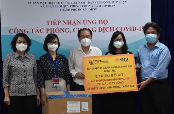 TPHCM tiếp nhận 4 triệu kit test nhanh kháng nguyên trị giá 373 tỷ đồng ảnh 1