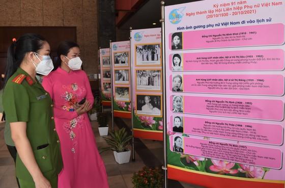 Triển lãm ảnh và tuyên truyền ca khúc về Chủ tịch Hồ Chí Minh ảnh 1