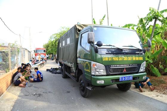 Đã tìm thấy thi thể 2 trong số 3 nạn nhân vụ chìm sà lan trên sông Đồng Nai ảnh 7