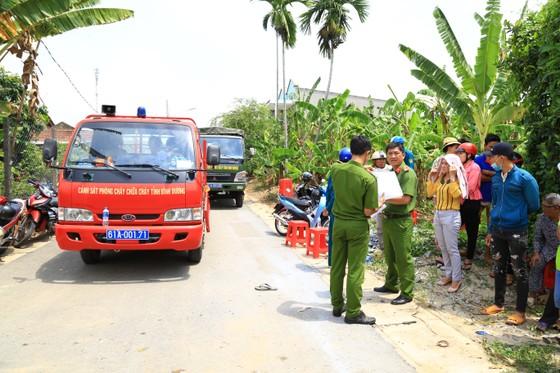 Đã tìm thấy thi thể 2 trong số 3 nạn nhân vụ chìm sà lan trên sông Đồng Nai ảnh 8