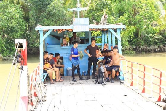 Đã tìm thấy thi thể 2 trong số 3 nạn nhân vụ chìm sà lan trên sông Đồng Nai ảnh 9