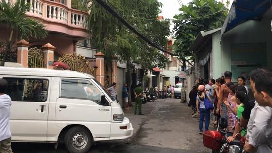 Vụ hai cha con ở quận Tân Bình nghi bị sát hại tại nhà: Cha giết con rồi tự sát? ảnh 2
