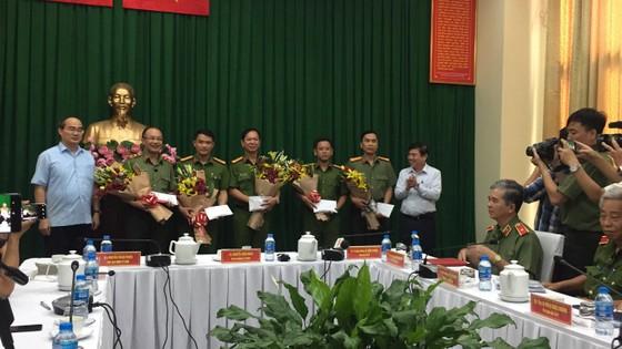 Công an TPHCM họp báo vụ nổ ở trước trụ sở công an phường 12, quận Tân Bình ảnh 4