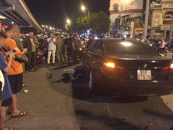 Nữ tài xế ô tô có biểu hiện say xỉn tông hàng loạt xe, một người chết ảnh 18