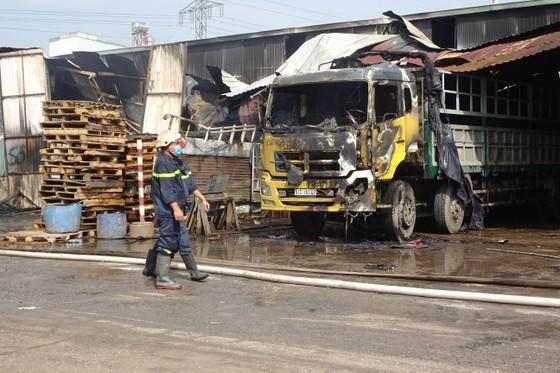 Cháy kho hàng ở huyện Hóc Môn, nhiều tài sản bị thiêu rụi ảnh 3