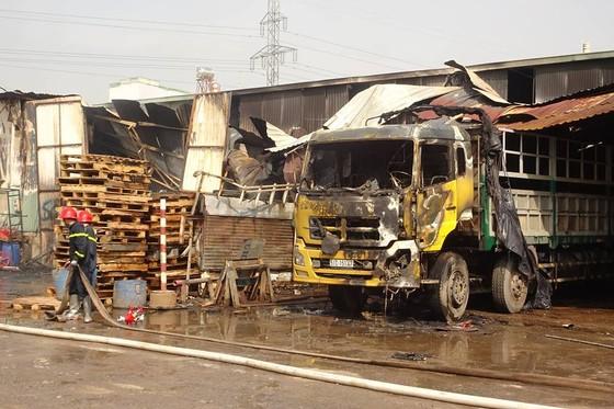 Cháy kho hàng ở huyện Hóc Môn, nhiều tài sản bị thiêu rụi ảnh 12