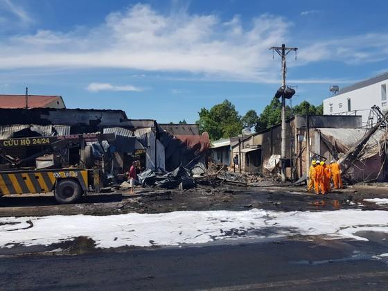 Khởi tố vụ xe bồn chở xăng chạy gần 100 km/ giờ gây cháy làm 6 người chết ở tỉnh Bình Phước ảnh 1