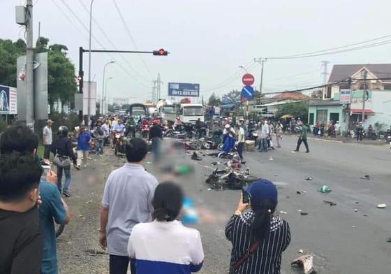 Vụ tai nạn kinh hoàng ở Long An: Tài xế khai gì? ảnh 1