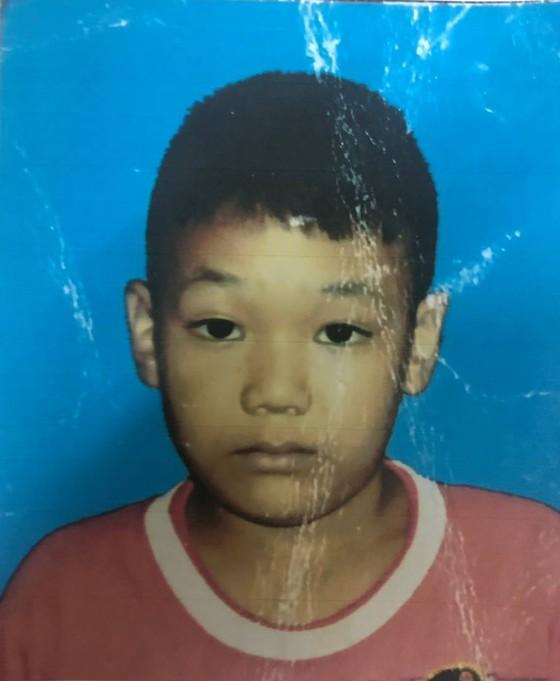 Cháu bé 9 tuổi mất tích bí ẩn giữa trung tâm TPHCM ảnh 1