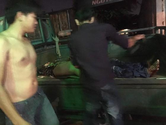 Truy bắt 2 kẻ cầm đầu nhóm truy sát 4 người bị thương ở phòng trọ ảnh 2