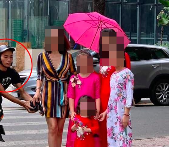 Truy bắt kẻ cướp túi xách của nữ Việt Kiều bị lọt vào ống kính máy ảnh ảnh 1