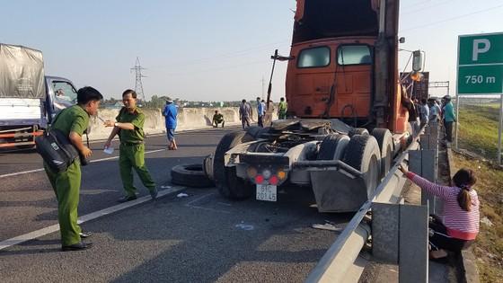 Va chạm liên hoàn trên cao tốc TPHCM - Trung Lương, 1 người tử vong ảnh 6