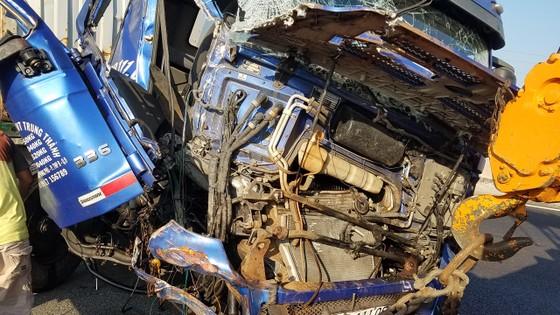 Va chạm liên hoàn trên cao tốc TPHCM - Trung Lương, 1 người tử vong ảnh 2