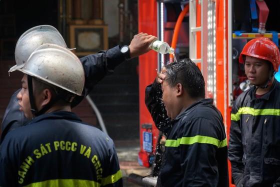 Vụ cháy tại Hàng Dương Quán, quận 1 là do hàn xì ảnh 17