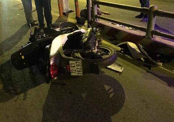 Liên tiếp xảy ra tai nạn chết người trên đường dẫn cao tốc ảnh 1