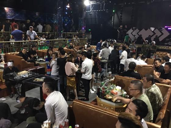 Đột kích quán bar Playhouse phát hiện 200 người có biểu hiện sử dụng ma tuý  ảnh 1