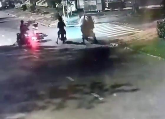 Diễn biết mới nhất về nhóm cướp, đánh đôi nam nữ táo tợn trên đường phố ảnh 2