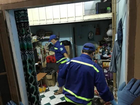 Người đàn ông tử vong trong phòng trọ cửa khoá kín mở điện ở quận Gò Vấp ảnh 1
