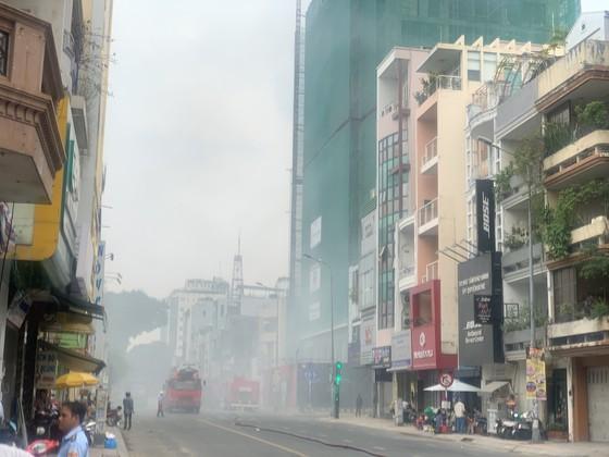 Cháy ở công trình tại quận 1 ảnh 1