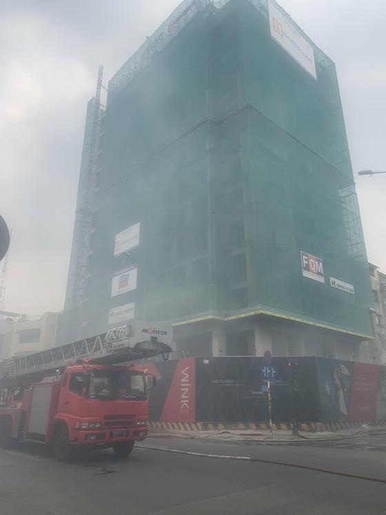 Cháy ở công trình tại quận 1 ảnh 2
