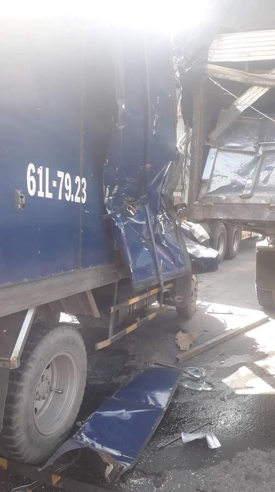 Tai nạn liên hoàn 5 xe trên Xa Lộ Hà Nội, ít nhất 2 người thương vong ảnh 6