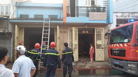 Cháy nhà vắng chủ ở quận 8, nhiều tài sản bị thiêu rụi ảnh 1