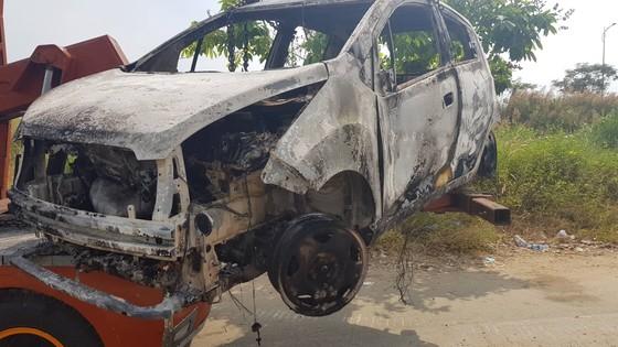Xác định nghi can vụ giết người, cướp tài sản, đốt xe ô tô phi tang ở TPHCM ảnh 1
