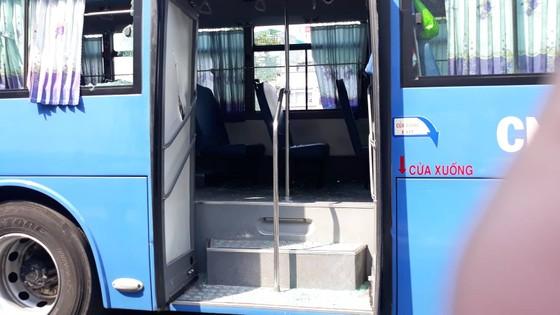 Triệu tập 1 số thanh niên chặn xe buýt đập phá ở trước Gigamall ảnh 2