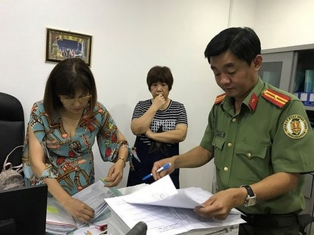 Công an giải cứu nữ bệnh nhân nghi bị giữ trong Phòng khám đa khoa Hồng Phúc ảnh 2