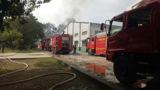 Cháy xe bồn chứa hóa chất trong Công ty TNHH Tiên Yu Enterprise Việt Nam ảnh 1