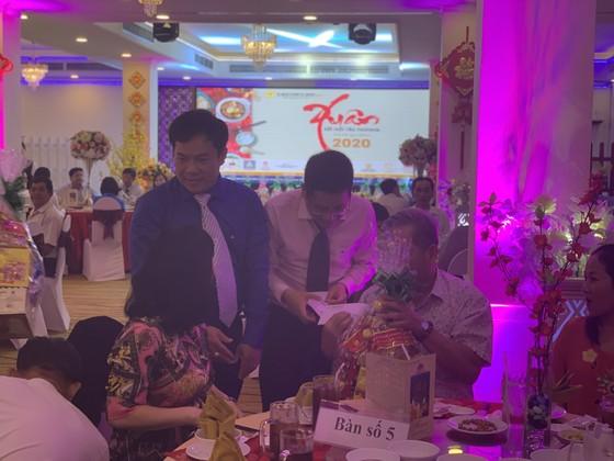 Xuân kết nối yêu thương, Saigontourist Group trao 154 phần quà tết cho người lao động ảnh 3