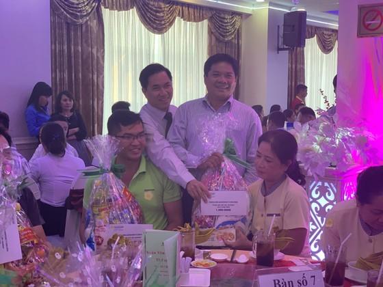 Xuân kết nối yêu thương, Saigontourist Group trao 154 phần quà tết cho người lao động ảnh 5
