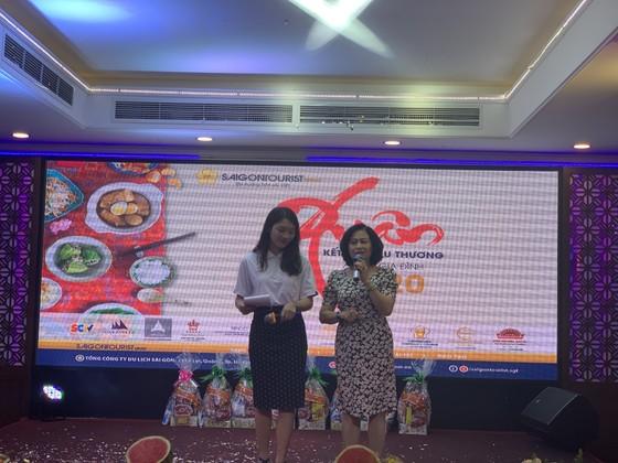 Xuân kết nối yêu thương, Saigontourist Group trao 154 phần quà tết cho người lao động ảnh 2